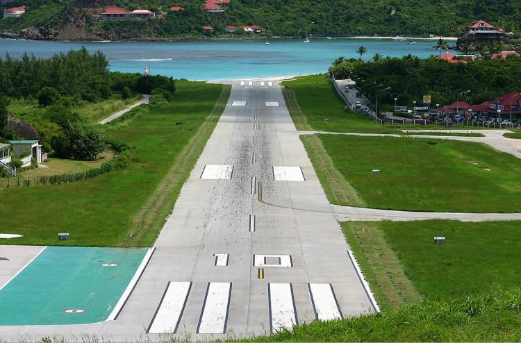 St_Barts_airport.jpg